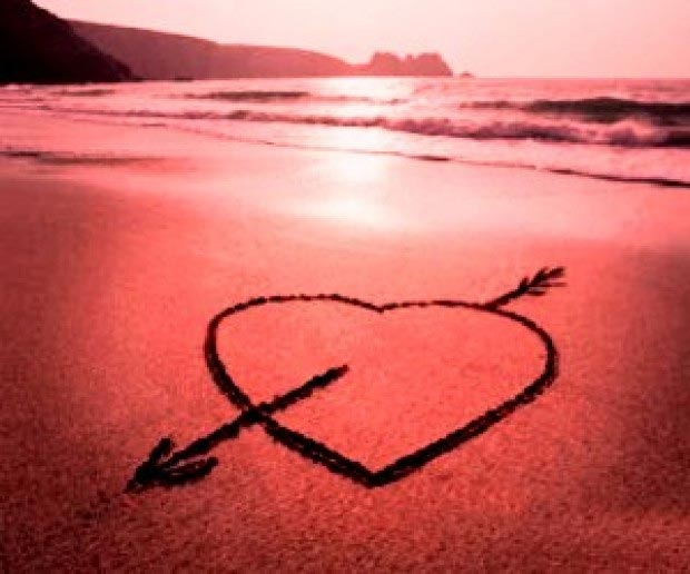 Imagen Corazón en la playa